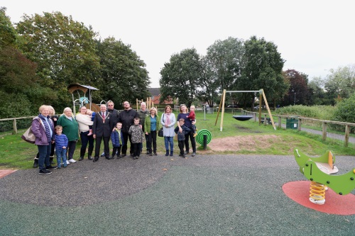 Friends of Midland Oak with the Chairman at the new play area